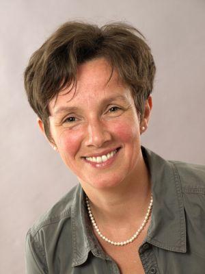 Barbara (Sekretariat Studiengang SEE)  Gumbert