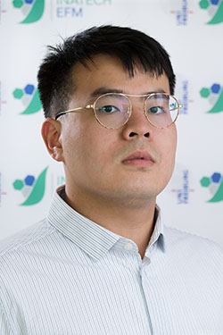 Junqi Li